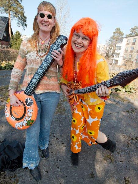 The Karma Club – Flowergirls, Abbie and Debbie  – Marja Repokangas